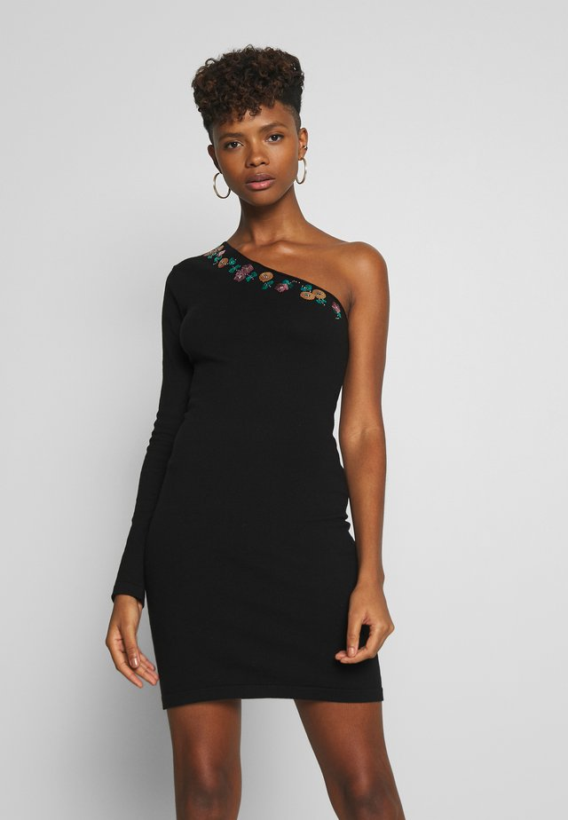 ONE SLEEVE EMBELLISHED DRESS - Abito in maglia - black