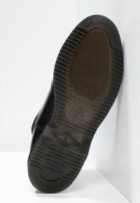 Dr. Martens - FLORA - Stövletter - black polished smooth - 5