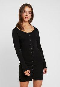 Missguided Petite - POPPER FRONT MINI DRESS 2 PACK - Fodralklänning - black/khaki - 2
