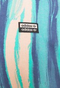 adidas Originals - TEE UNISEX - Print T-shirt - vapour pink/multicolor - 6
