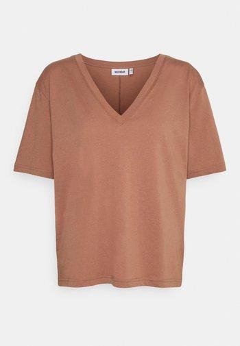 LAST V NECK - Basic T-shirt - brown