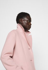 WEEKEND MaxMara - UGGIOSO - Klasický kabát - rosa - 3