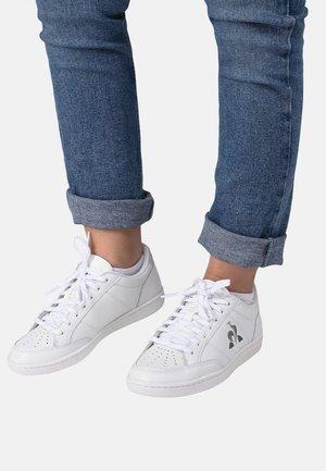 COURT CLAY W - Sneakersy niskie - white