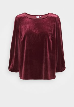 Long sleeved top - red delicious