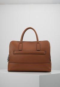 comma - PURE ELEGANCE HANDBAG - Briefcase - cognac - 2