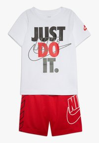Nike Sportswear - MULTIBRAND SET - Shorts - university red - 0