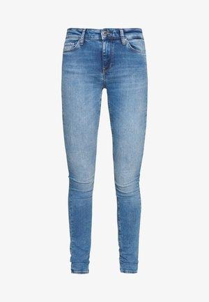 ONLCARMEN LIFE SKINNY - Jeans Skinny Fit - light blue