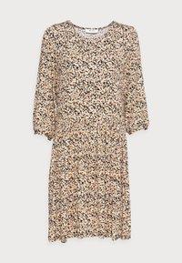 MABEA 3/4 DRESS - Žerzejové šaty - black flower