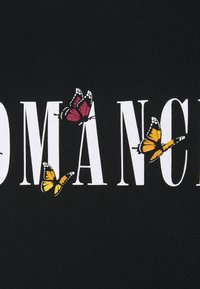 New Look Curves - WOW ROMANCE BUTTERFLY - T-shirt imprimé - black - 2