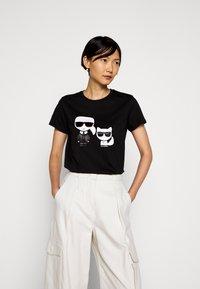 KARL LAGERFELD - IKONIK CHOUPETTE TEE - Print T-shirt - black - 0