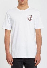 Volcom - WIGGLY  - Print T-shirt - white - 0
