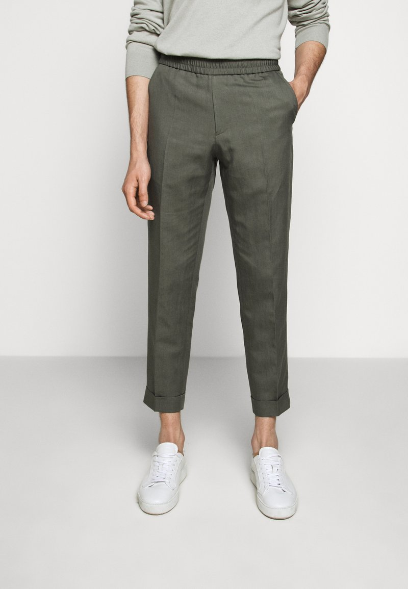 Filippa K - TERRY CROPPED SLACKS - Trousers - green grey