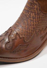 Kentucky's Western - Cowboy/biker ankle boot - tint brown - 5