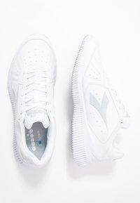 Diadora - EAGLE 2 - Neutrala löparskor - white/silver - 1