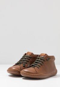 Camper - PEU CAMI KIDS - Volnočasové šněrovací boty - tan - 3