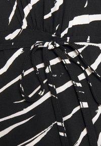 New Look Petite - SHIRRED DETAIL ZEBRA MIDI DRESS - Day dress - black - 7