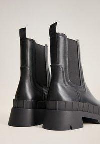 Mango - LEDER MIT TRACKSOHLE - Boots à talons - schwarz - 3