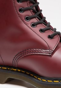 Dr. Martens - 1460  BOOT - Stivaletti stringati - cherry red rouge - 5