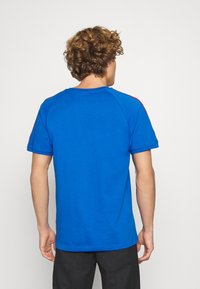 adidas Originals - STRIPES SPORTS INSPIRED SHORT SLEEVE TEE UNISEX - T-Shirt print - bright royal - 2