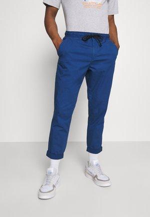 CASTLE POPLN - Trousers - thames