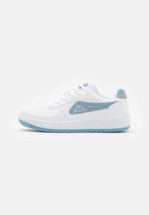 BASH - Sportovní boty - white/ice