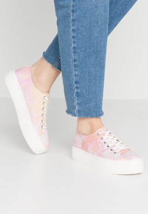 PEGGY - Joggesko - pink/multicolor