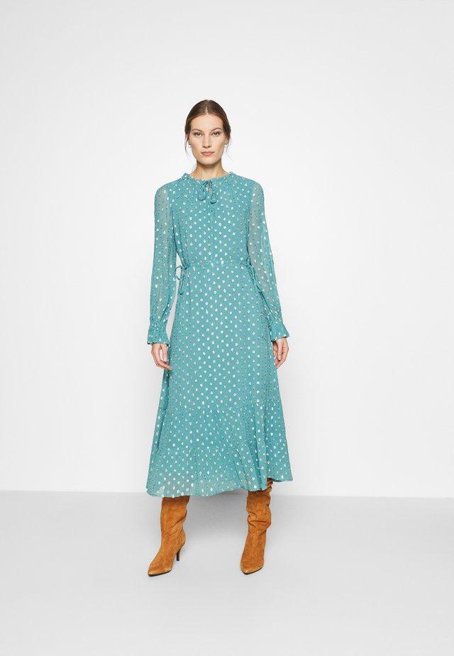 COCO ISA DRESS - Vestido informal - dusty blue