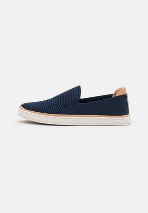 SAMMY - Sneakers laag - navy