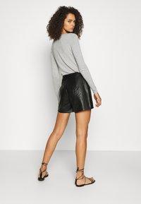 ONLY Tall - ONLKARA - Shorts - black - 2