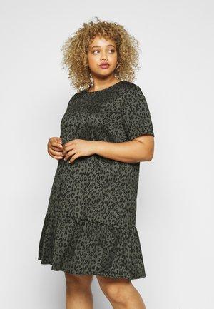 DROP WAIST DRESS - Denní šaty - khakianimal