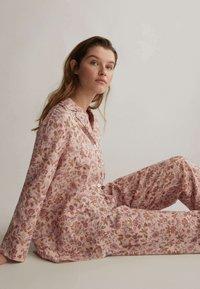 OYSHO - Pyjamahousut/-shortsit - rose - 3