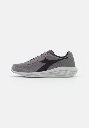EAGLE 4 - Vandresko - steel gray/black