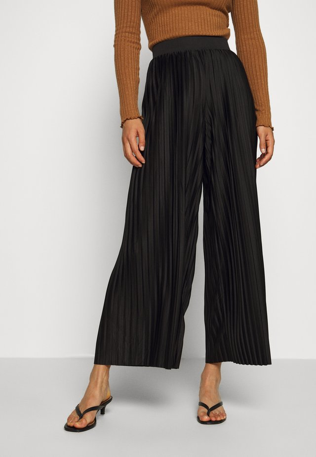 JDYGAYEL PLEATED PANT - Trousers - black