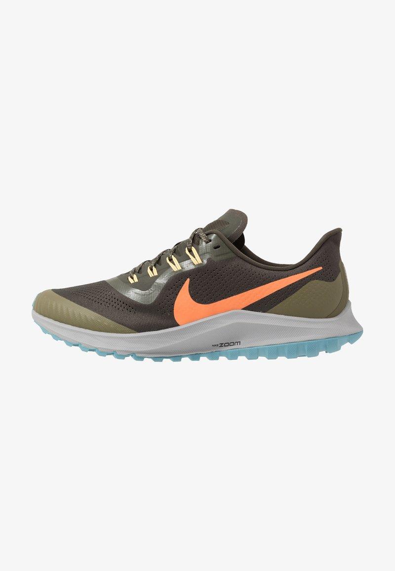 Nike Performance - AIR ZOOM PEGASUS 36  - Vaelluskengät - sequoia/orange trance/medium olive