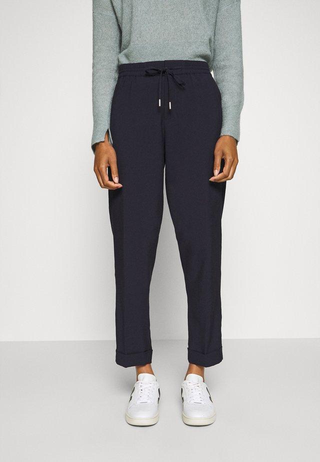 PANTS SMART JOGGING STYLE STRAIGHT LEG TURN UP - Pantalon classique - dark night