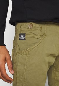 Alpha Industries - MAJOR PANT - Cargo trousers - olive - 6