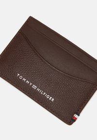 Tommy Hilfiger - BUSINESS MINI HOLDER UNISEX - Wallet - brown - 3