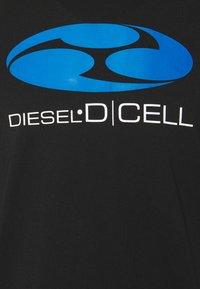 Diesel - T-DIEGOS-K40 UNISEX - T-shirt print - black - 2