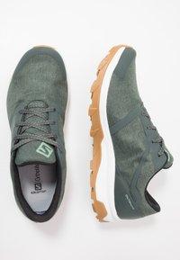 Salomon - OUTBOUND GTX - Hiking shoes - urban chic/white - 1