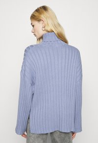 Monki - DONNIE  - Jumper - blue dusty solid - 2