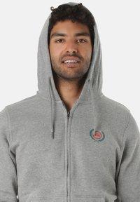 Young and Reckless - CREST  - Zip-up sweatshirt - grey - 2