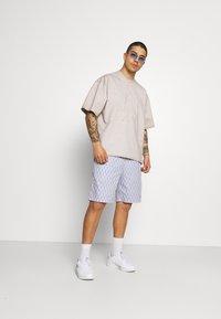 adidas Originals - MONOGRAM - Shorts - multicolor - 1