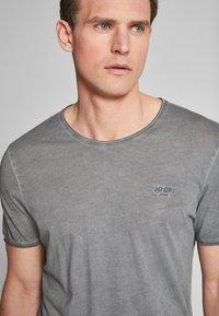 JOOP! Jeans - CLARK - T-shirt - bas - dark grey                  029 - 3