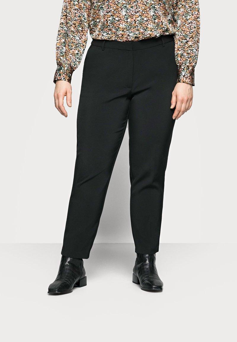 ONLY Carmakoma - CARVILDAS CIGARETTE PANT - Trousers - black