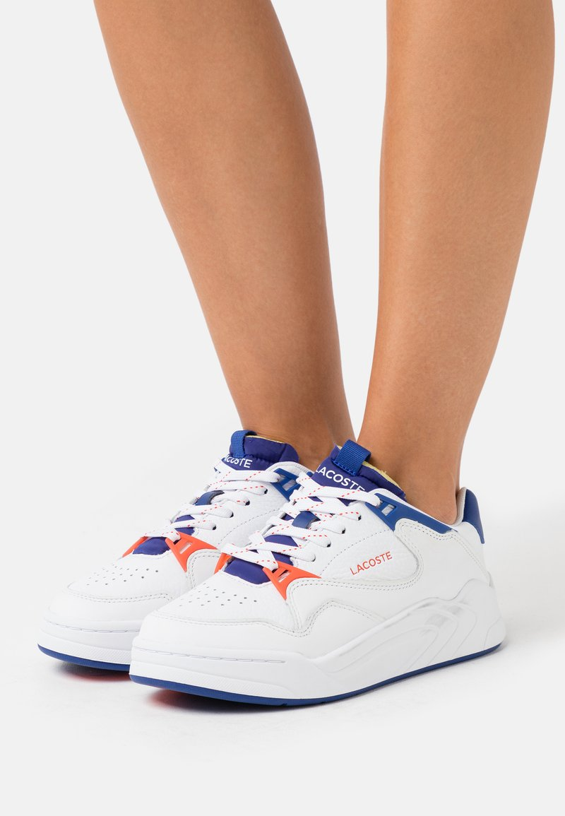 Lacoste - COURT SLAM - Baskets basses - white/dark blue