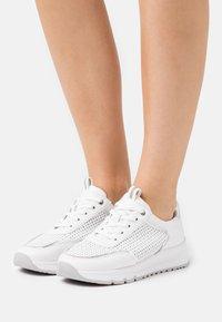Jana - Trainers - white - 0