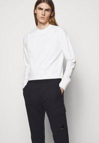C.P. Company - PANT - Pantalon de survêtement - total eclipse - 3