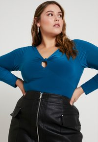 Missguided Plus - CURVE SLINKY KNOT KEYHOLE BODYSUIT - Long sleeved top - teal - 3