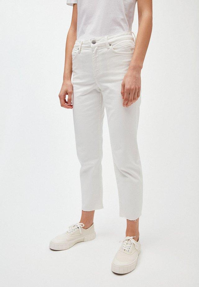 FJELLAA  - Straight leg jeans - off white