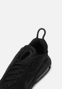 Nike Sportswear - AIR MAX 2090 - Sneakersy niskie - black - 4